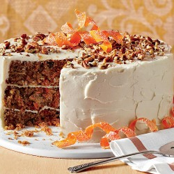 CARROT CAKE ΜΕ QUEEN CAKE